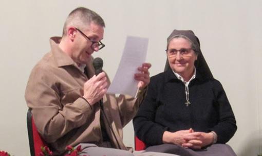Massimo Cogliati, coordinatore della commissione per la cultura della parrocchia di San Zeno, e Suor Alma Comi